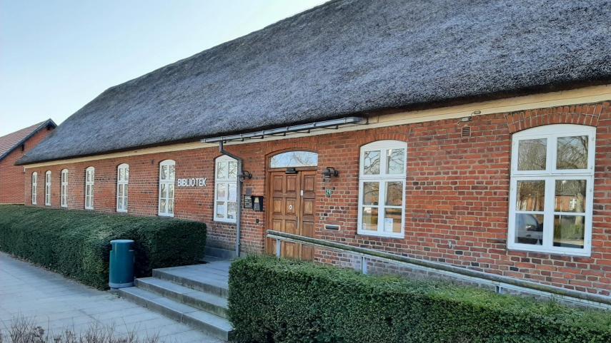 Oksbøl Bibliotek udvendigt 2021